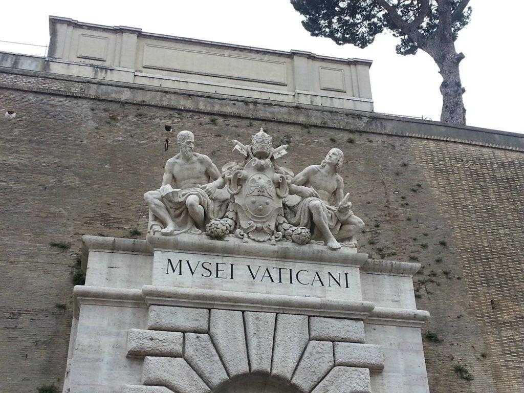 furar-fila-museus-vaticanos_3