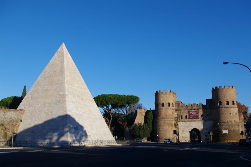 piramide-cestia-roma-3