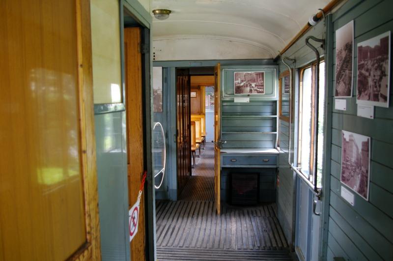 um dos trens antigos no museu ferroviário