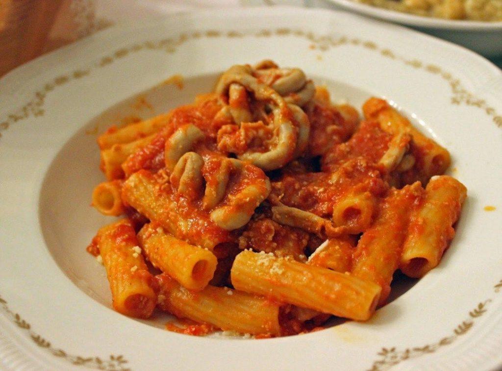 um dos pratos típicos de roma é a pajata
